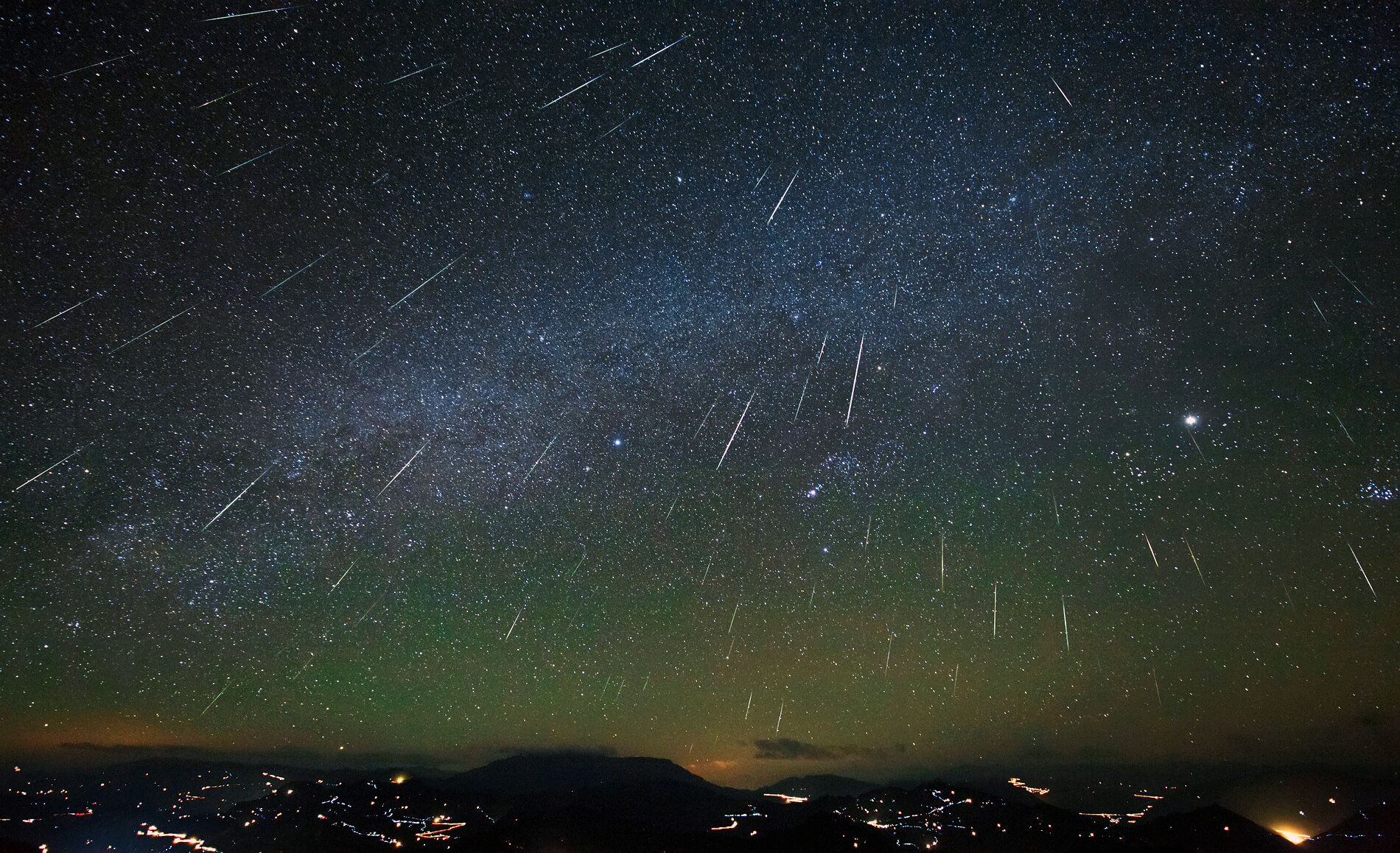 Meteor Activity Outlook for December 12-18, 2015 ...