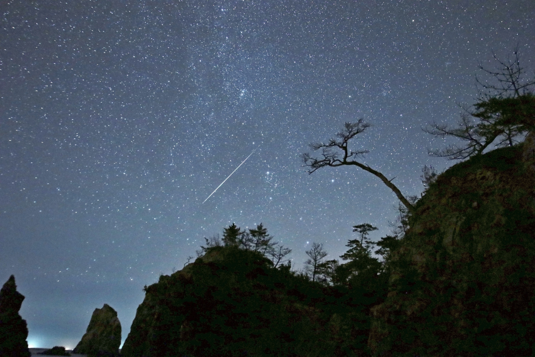 Meteor Activity Outlook for 10-16 August 2019 - American Meteor Society