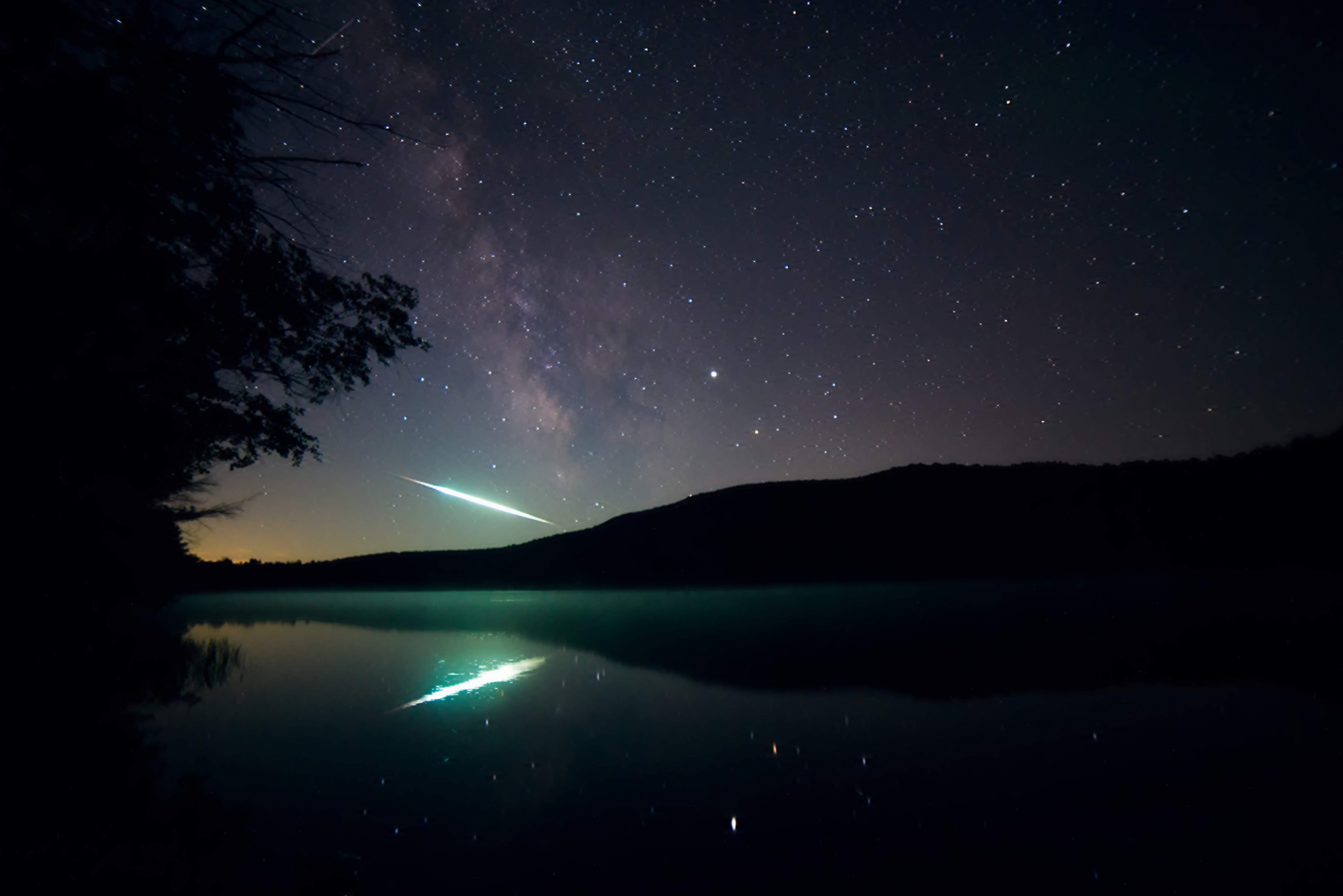 Christmas Comet 2019.Meteor Activity Outlook For September 21 27 2019 American